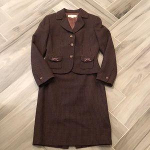 Tahari skirt suit